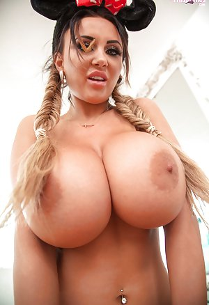 Free Big Boobs Pictures